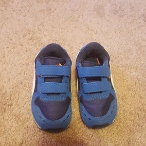 Puma toddler shoes size 8